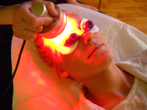 led-light-therapy-forehead1